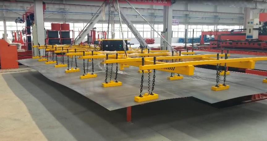 4.2米拼接长薄板的电永磁起重吊具