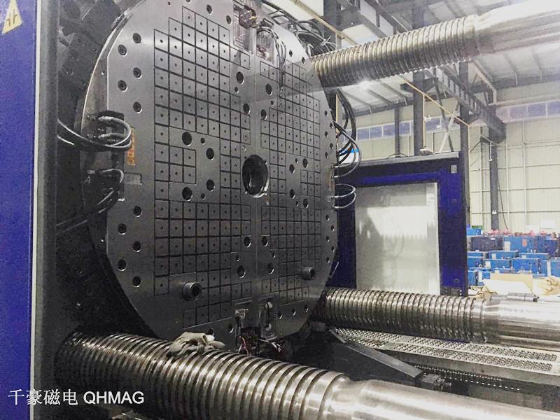 1400吨双色机快速换模系统磁力锁模