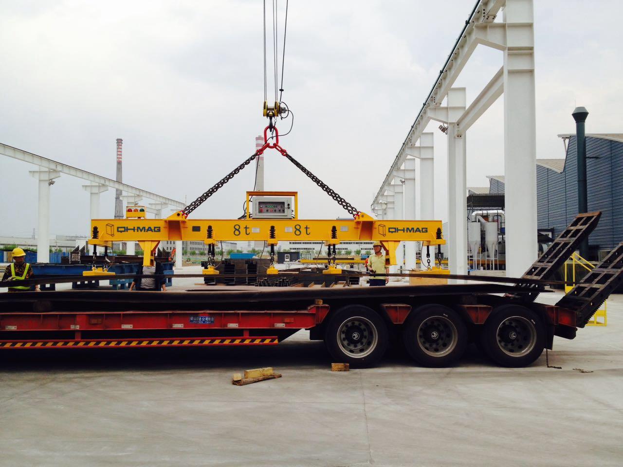 船舶厂钢板吊装搬运案例